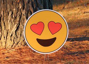 Emoji (heart eyes)